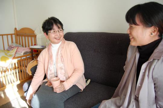 【対談こぼれ話1】「タレントって言うのかしら。郊外には、日本の中心をつくり上げてきた人たちが住んでいる。だからものすごい人が実は多いんですよ」(小林さん)